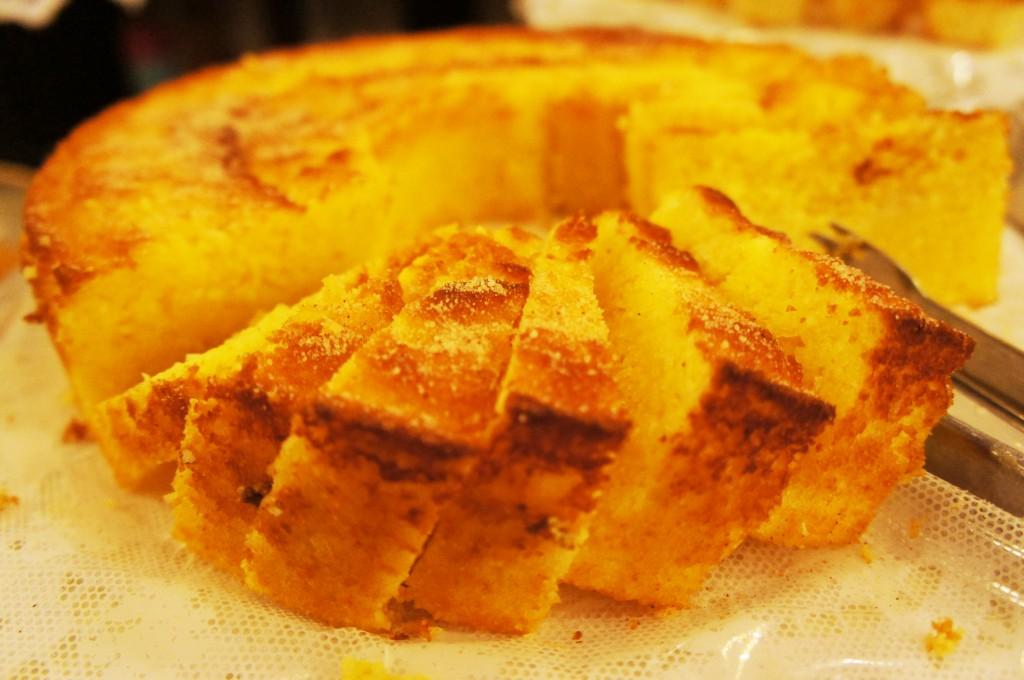 Bolo de Fubá cremoso1 1024x680 - Café Colonial Mineiro Dona Lucinha