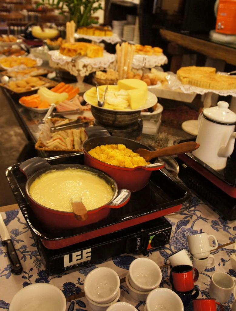 Cafe da manha colonial mineiro3 778x1024 - Café Colonial Mineiro Dona Lucinha