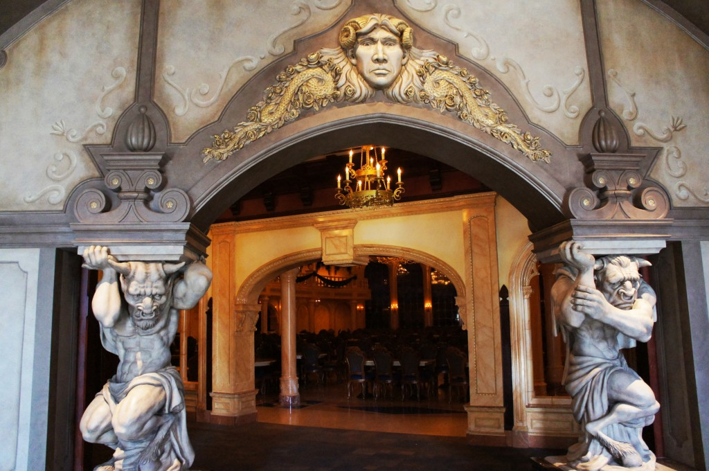 Castelo da Fera entrada 1024x680 - Be Our Guest restaurante Disney