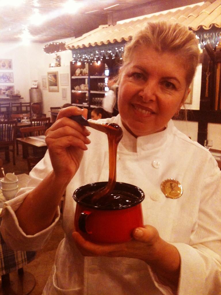 Elzinha mel de engenho 768x1024 - Café Colonial Mineiro Dona Lucinha