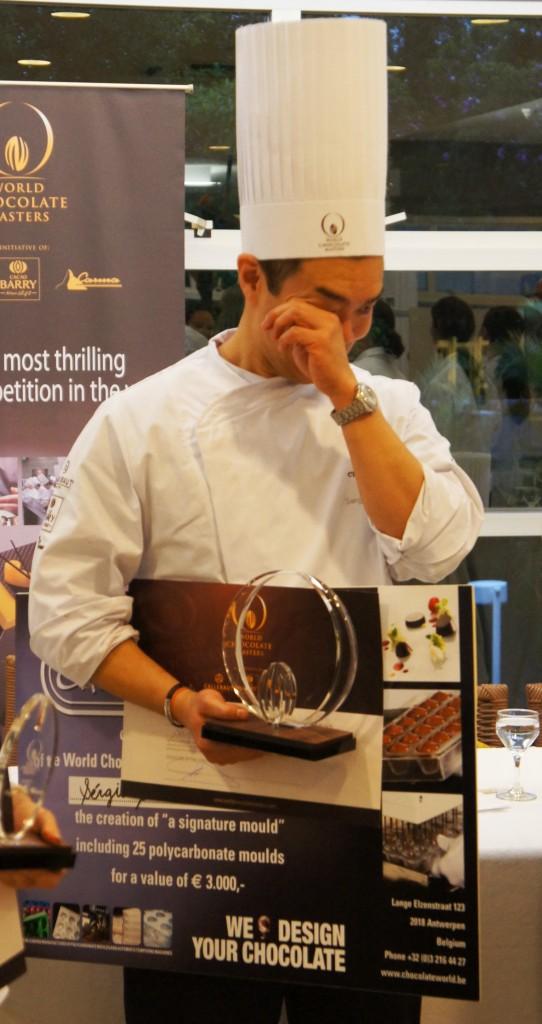 Sergio Shidomi campeao1 542x1024 - World Chocolate Masters Barry Callebaut