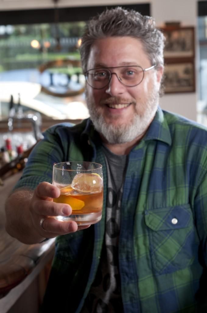Benny Novak3 cred Rodrigo Erib 680x1024 - Bota Gelo no Whisky!