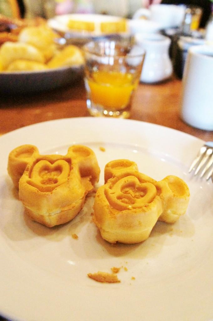 Ohana panquecas 680x1024 - Ohana restaurante Disney