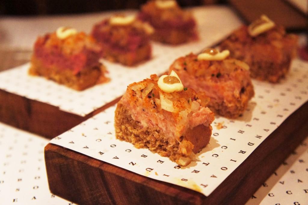 Canapés Carne de Onça e Linguiça Blumenau 1024x680 - Quintana Bar