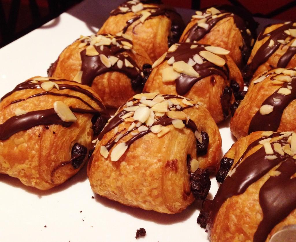 Los Veleros chá da tarde pao de chocolate 1024x836 - Chá da Tarde no Los Veleros do Conrad Punta del Este