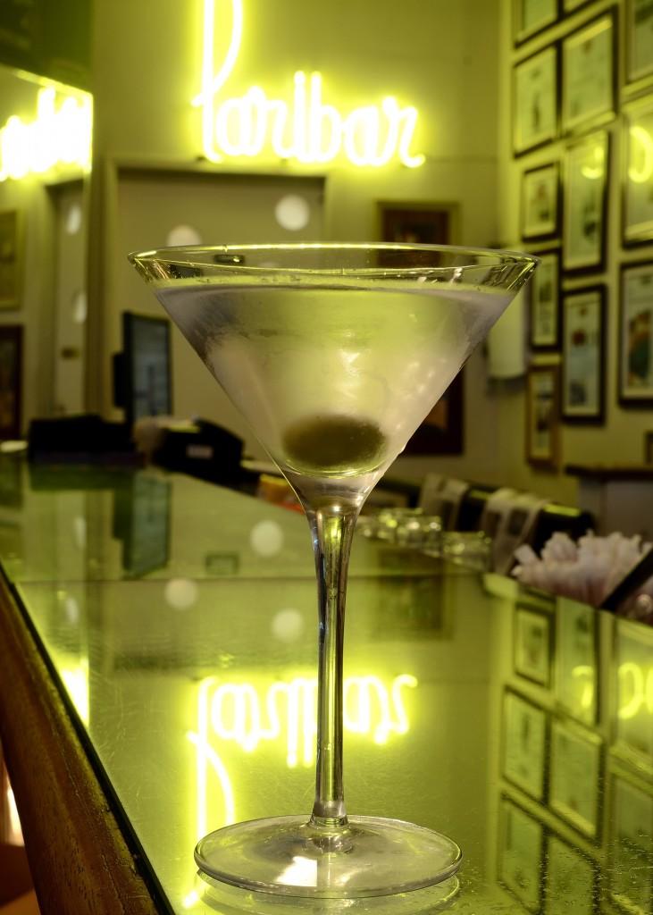 Dry Martini 02 1 731x1024 - Receitas de Drinks Clássicos