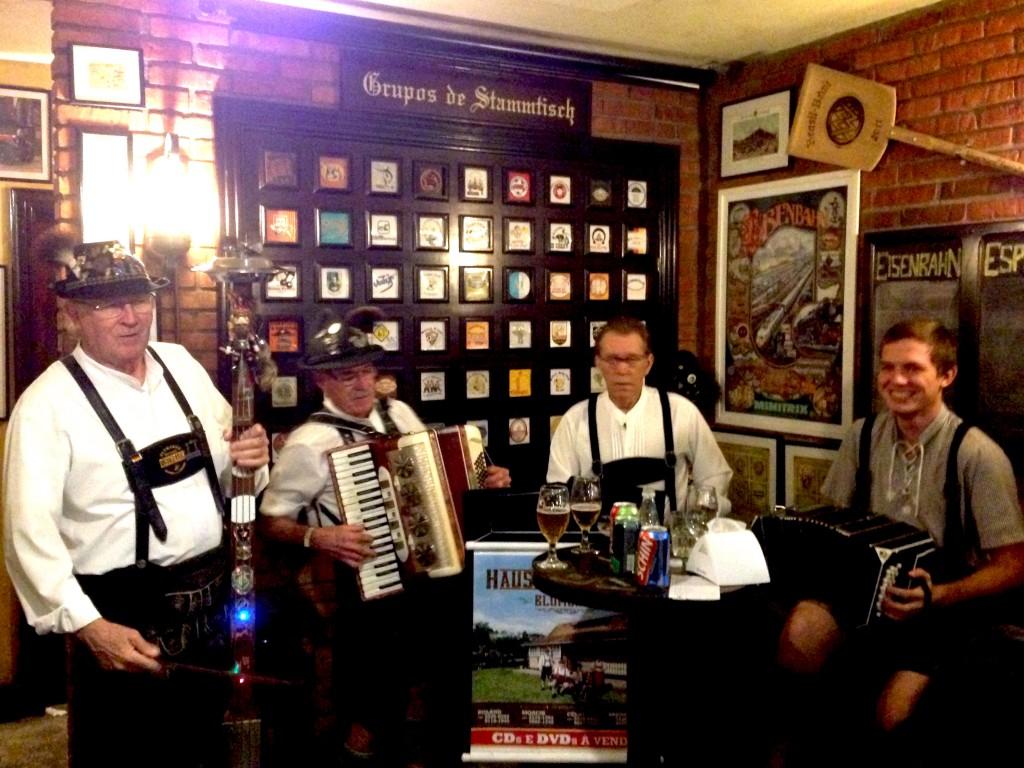 Blumenau Bar e Cervejaria Eisenbahn foto Cuecas na Cozinha3 1024x768 - SC Gourmet Conheça Blumenau