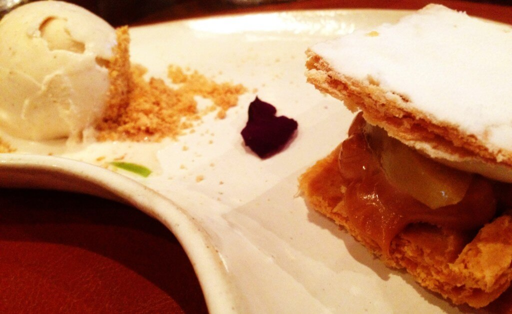 Brasil a Gosto Folhado de Doce de Leite comporta de maçã verde e sorvete de nata foto Cuecas na Cozinha 1024x628 - Restaurante Brasil a Gosto da chef Ana Luiza Trajano