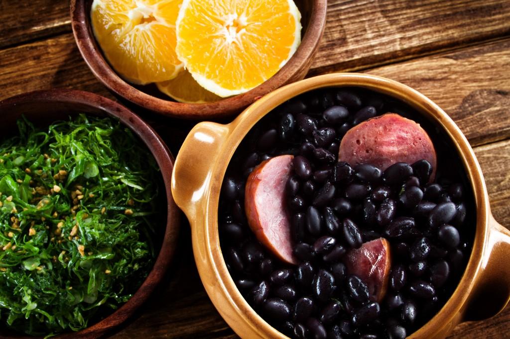 Feijoada 1024x682 - Como Harmonizar Vinhos com Pratos Diferentes