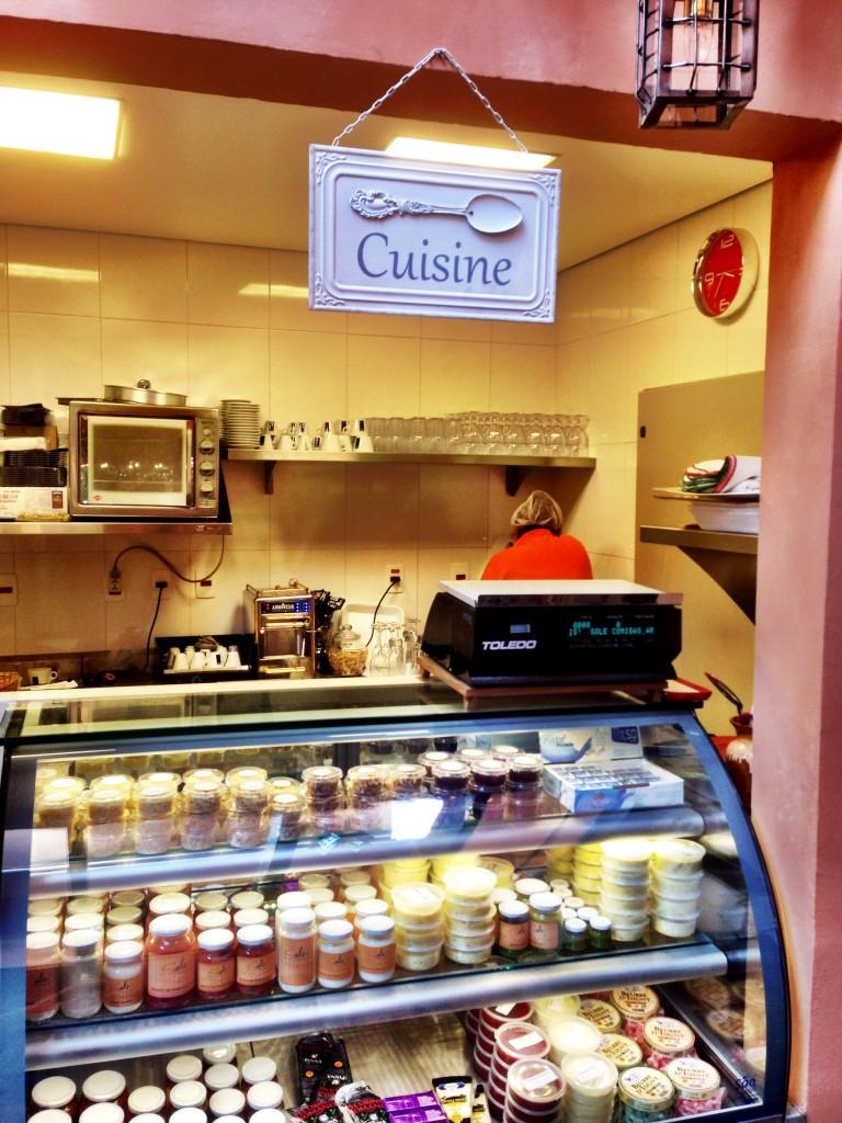Sole espaço2 foto Cuecas na Cozinha 768x1024 - Sole Comidas Artesanais e Empório