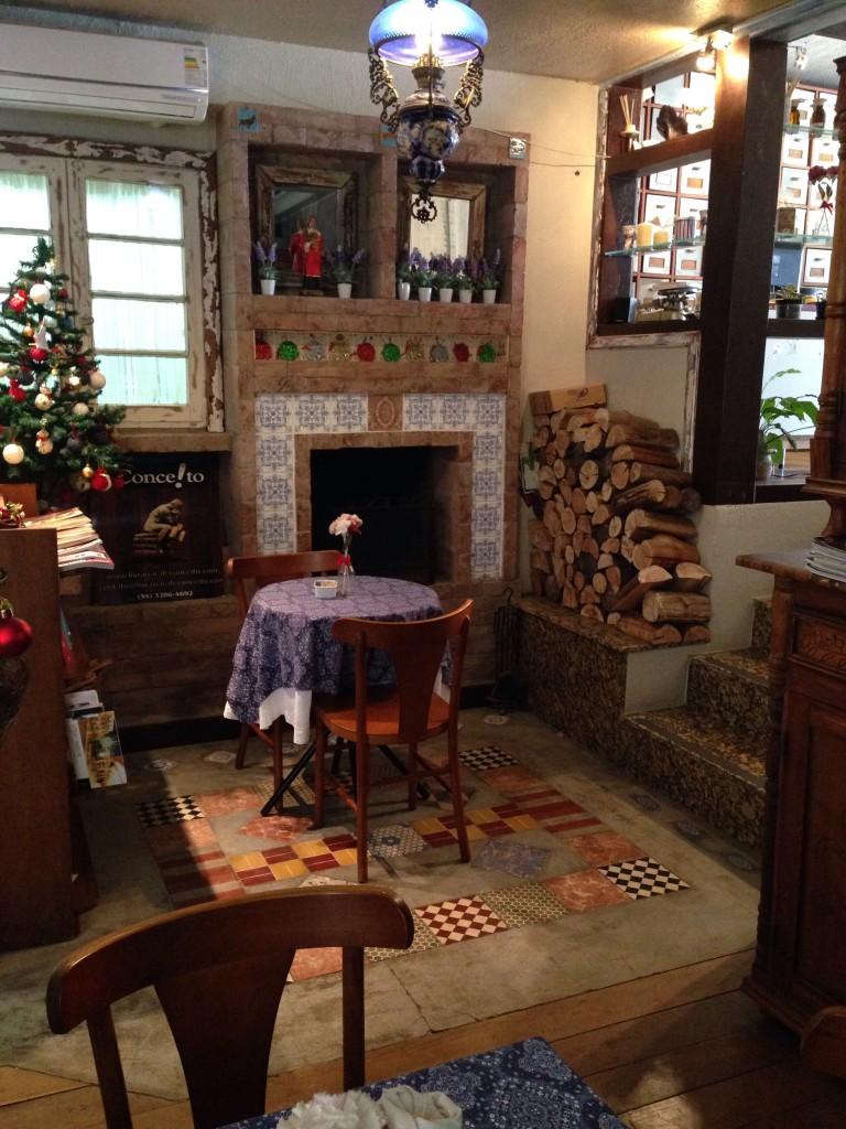 Casa Vittorio foto Cuecas na Cozinha1 768x1024 - Onde Comer em Gramado