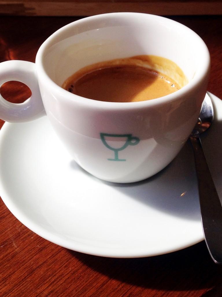 Rause Cafe Curitiba Foto Cuecas na Cozinha1 768x1024 - Melhores Cafeterias do Brasil