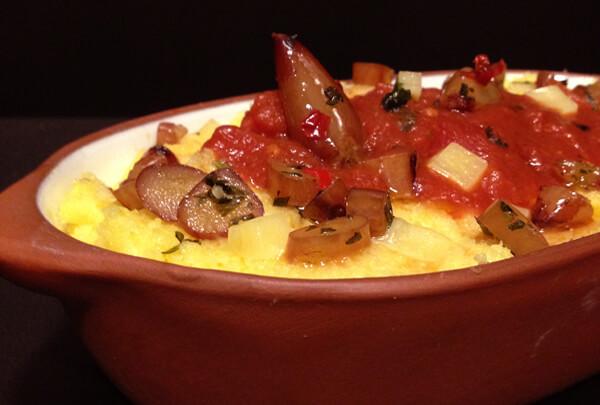 Poletanta com Tomates Home - Polenta com Tomates e Pinhões