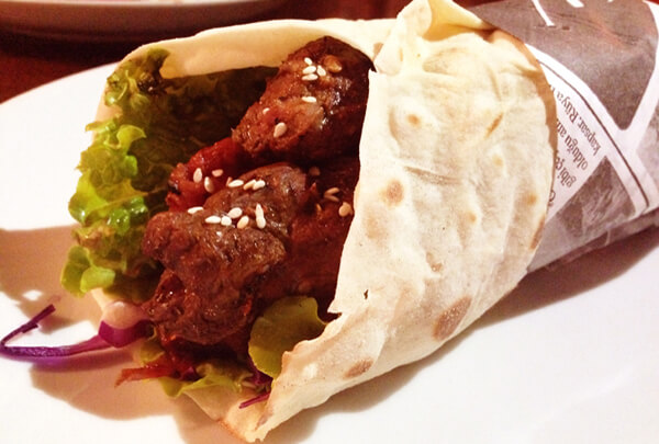 Kebab Salonu Kebab home foto Cuecas na Cozinha - Kebab Salonu