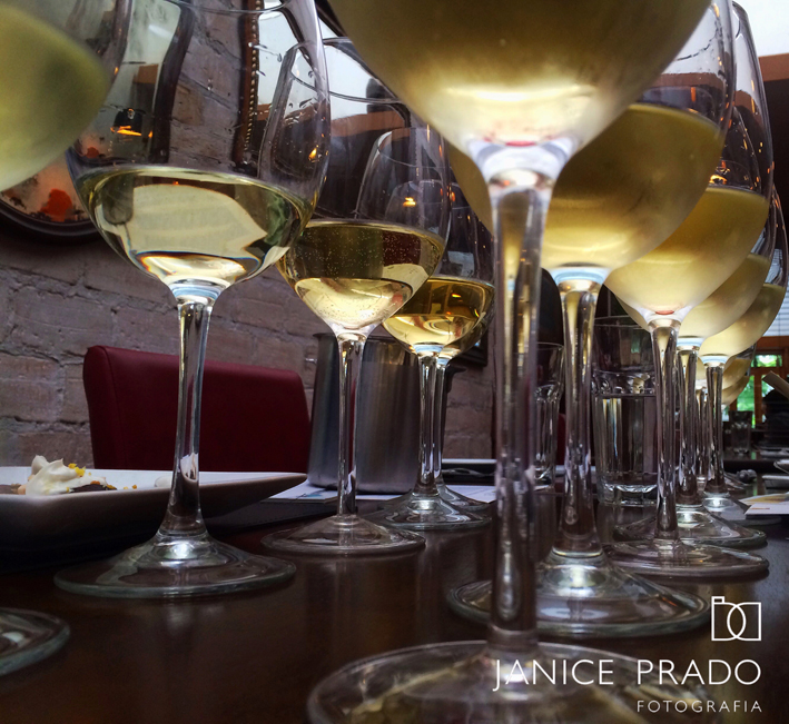 Como montar uma adega em casa _vinhos brancos