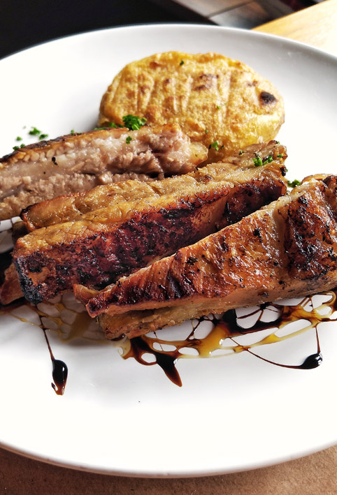 Kith Restaurante _Costelinha de porco com mandioca tostada